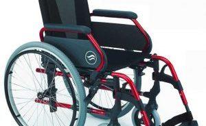 compra de una silla de ruedas plegable