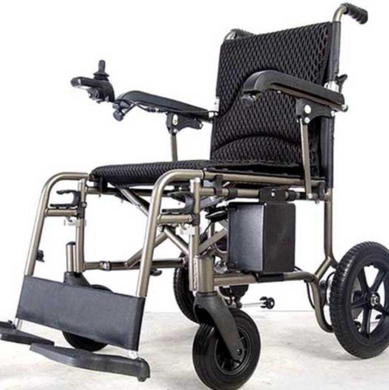 Silla de ruedas eléctrica ultraligera